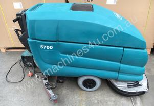 Tennant   5700 Used Machine