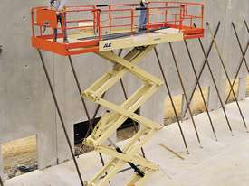 JLG 430LRT Engine Powered Scissor Lifts - picture9' - Click to enlarge