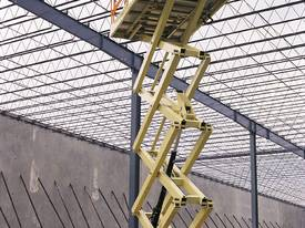 JLG 430LRT Engine Powered Scissor Lifts - picture12' - Click to enlarge