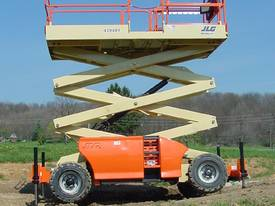 JLG 430LRT Engine Powered Scissor Lifts - picture19' - Click to enlarge