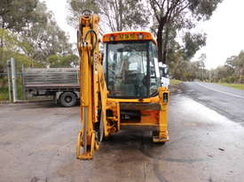 JCB 2CX extender hoe, 2003 , 3500hrs , ex council, 4 new tyres fitted - picture1' - Click to enlarge