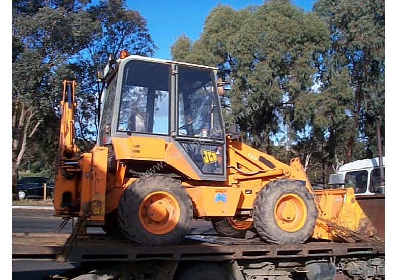 JCB 2CX extender hoe, 2003 , 3500hrs , ex council, 4 new tyres fitted
