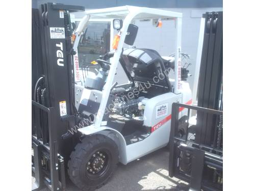 TOYOTA TCM NISSAN HYSTER NEW TEU 2.5 TON FORKLIFT CONTAINER MAST