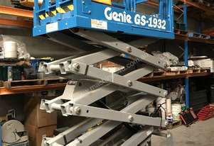 Genie GS-1932 - Narrow Electric Scissor Lift