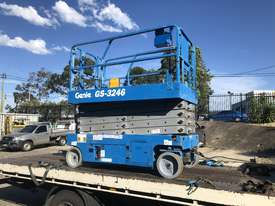 Scissor lift Genie GS3246 - picture1' - Click to enlarge