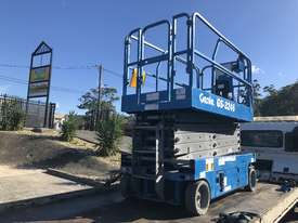 Scissor lift Genie GS3246 - picture2' - Click to enlarge