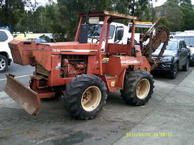 7610 trencher 84hp ,rock chain attachment , - picture0' - Click to enlarge