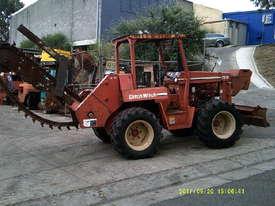 7610 trencher 84hp ,rock chain attachment , - picture5' - Click to enlarge