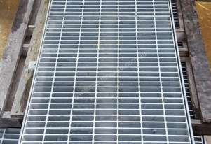 New Heavy Duty Grid Mesh Plates - Grates