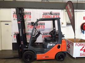 TOYOTA 32-8FG18 4000MM 2011 DELUXE PACK - picture0' - Click to enlarge