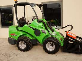 Avant 635 Mini Loader W/ HD Log Grab - picture2' - Click to enlarge
