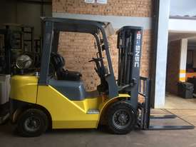 FORKLIFT- SNSC NissanLPG 2.5ton Container Mast Side Shift  6 Months Old 2000hrs  - picture8' - Click to enlarge