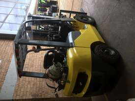 FORKLIFT- SNSC NissanLPG 2.5ton Container Mast Side Shift  6 Months Old 2000hrs  - picture10' - Click to enlarge