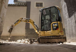 NEW CATERPILLAR 302 CR MINI EXCAVATOR, 0% Finance + 5 years warranty until Dec 31, 2020