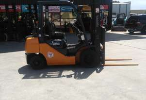 TOYOTA 32-8FG25 2.5T GAS FORKLIFT