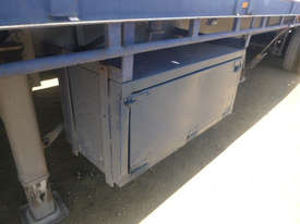 Fruehauf Semi Flat top Trailer - picture2' - Click to enlarge