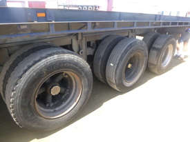 Fruehauf Semi Flat top Trailer - picture5' - Click to enlarge