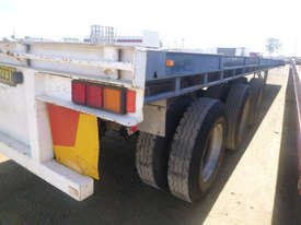Fruehauf Semi Flat top Trailer - picture9' - Click to enlarge