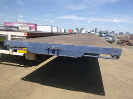 Fruehauf Semi Flat top Trailer - picture16' - Click to enlarge