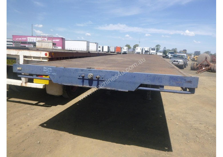 Fruehauf Semi Flat top Trailer