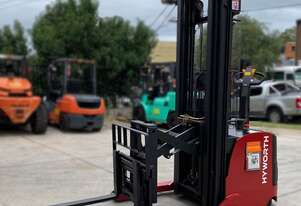 HYWORTH 1.5T Walkie Reach Stacker Forklift for HIRE