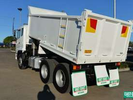 2005 MITSUBISHI FUSO FV500 Tipper   - picture5' - Click to enlarge