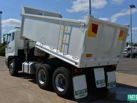 2005 MITSUBISHI FV 500 Tipper   - picture3' - Click to enlarge