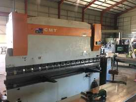 110 tonne 3.2 m press brake - picture0' - Click to enlarge