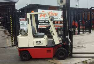 Nissan Forklift 2.5 Ton 6000mm Lift New Paint Works Well