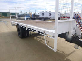 Homemade Pig Flat top Trailer - picture0' - Click to enlarge