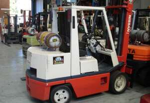 3.5 T Nissan (Space Saver) Forklift