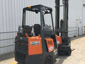 2.0T LPG Narrow Aisle Forklift - picture1' - Click to enlarge