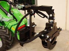 Avant 423 Articulated Mini Loader w Telescopic Boom and Log Grab - picture0' - Click to enlarge