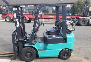 Forklift Container Entry 2.5 Ton  2011 Model Engine built Mitsubishi