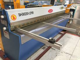 SM-EMS2500-3.2 ELECTRO SHEAR With Power Backgauge - picture0' - Click to enlarge