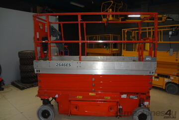 2011 JLG 2646ES - Electric scissor lift (with/without 10YT)