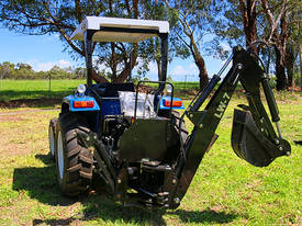 Tractor Backhoe LW-7 - picture4' - Click to enlarge