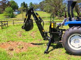 Tractor Backhoe LW-7 - picture5' - Click to enlarge