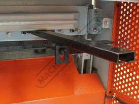 SG-420 Hydraulic Guillotine 1300 x 2mm Mild Steel Shearing Capacity Manual Backgauge - picture7' - Click to enlarge