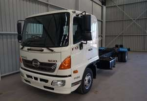 Hino FD 1126-500 Series Cab chassis Truck