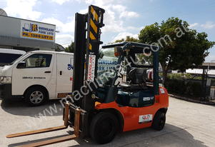 Toyota 42-7FG25 Counterbalance forklift