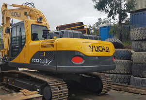 Yuchai 23ton Excavator - brand new with hydraulic hitch and hammer piping