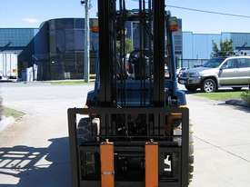 TOYOTA 02-7FG40 DELUXE LPG FORKLIFT - picture16' - Click to enlarge