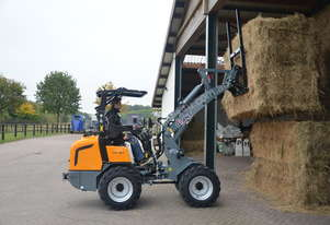 GIANT V452T HD NEW ARTICULATED MINI LOADER