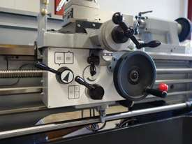 410mm Swing Centre Lathe, 58mm Spindle Bore - picture11' - Click to enlarge