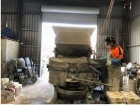 Concrete Pan Mixer - picture2' - Click to enlarge