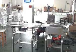 Checkweigher with Twin Arm Reject