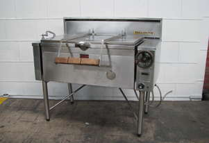 Gas Tilting Bratt Pan 85L