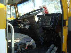 Iveco Acco Cab chassis Truck - picture1' - Click to enlarge