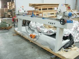 DOUBLE MITRE SAW FOR CUTTING GLAZING  BEADS - picture0' - Click to enlarge